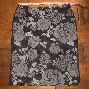 WHBM Floral Design Pencil Skirt Size 2